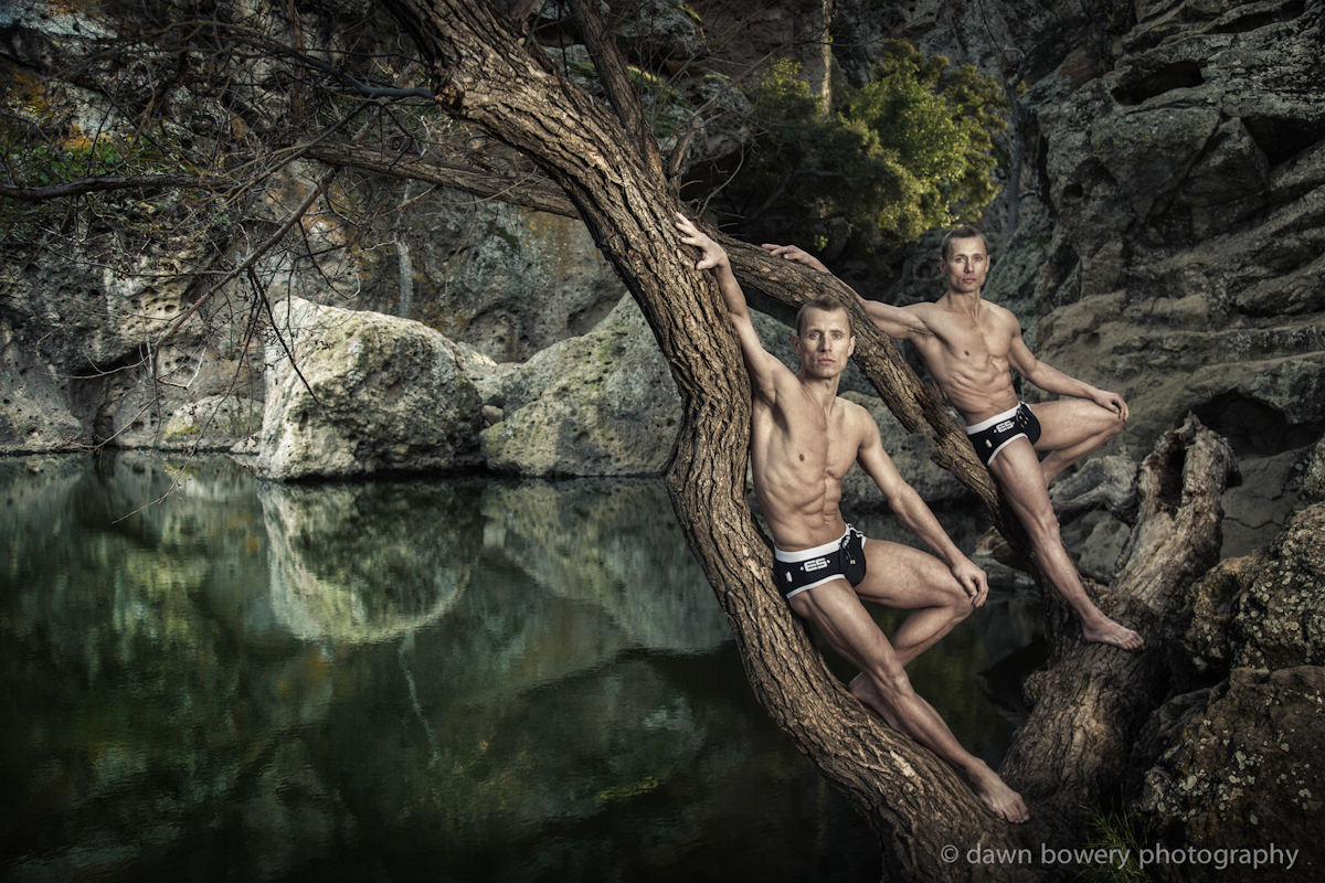 Los_Angeles_creative_portrait_photographer_california_dreaming_atherton_twins_trees_web_credit_1200